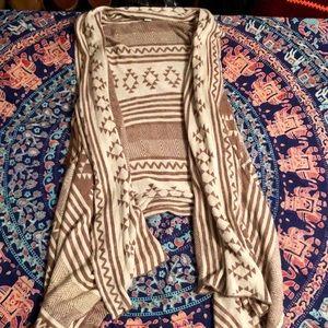 Gorgeous bohemian flowy vest!